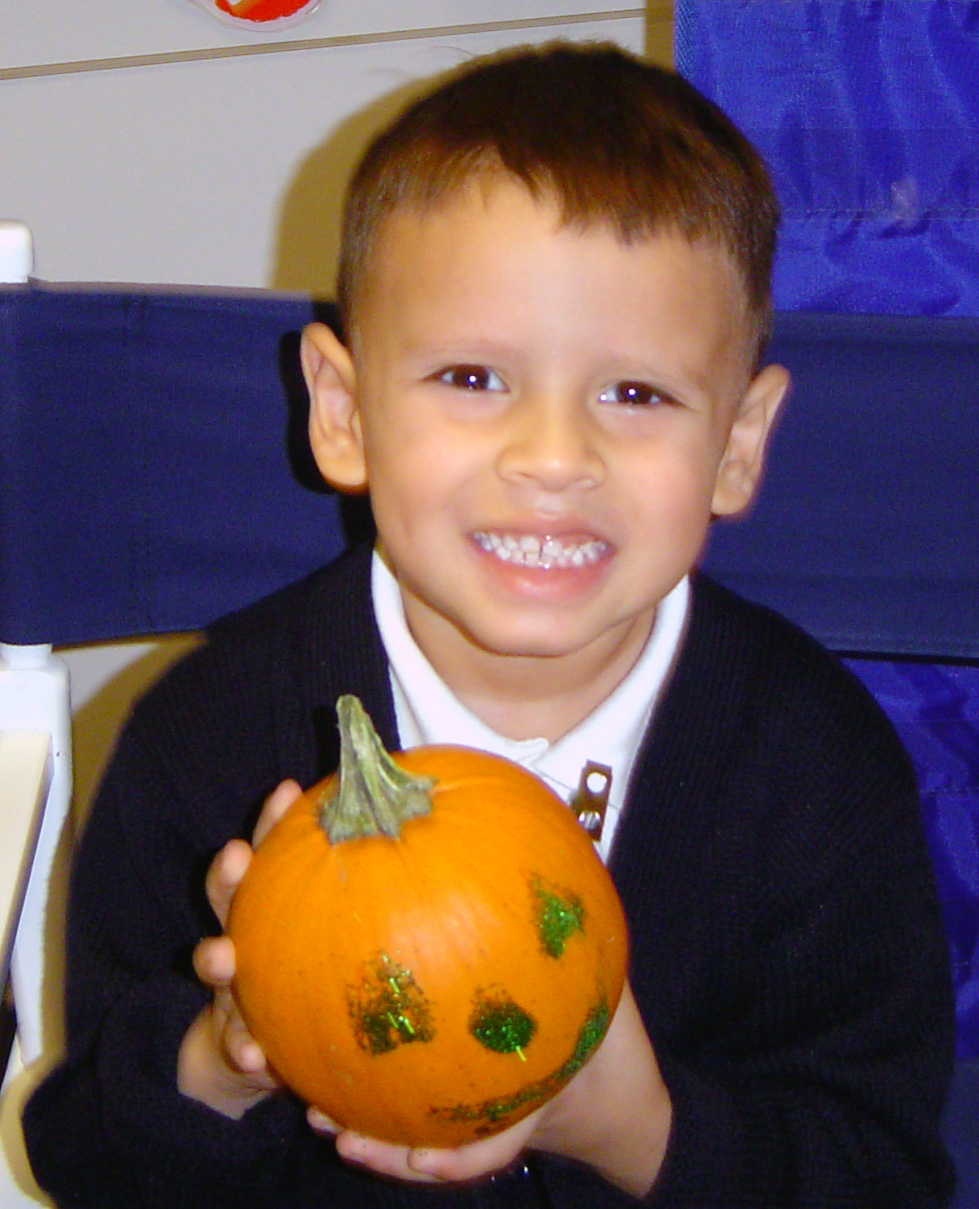 mini pumpkins halloween activity for preschoolers