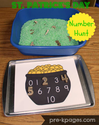 St. Patrick's Day Sensory Play Number Hunt FREE Printable #preschool #kindergarten