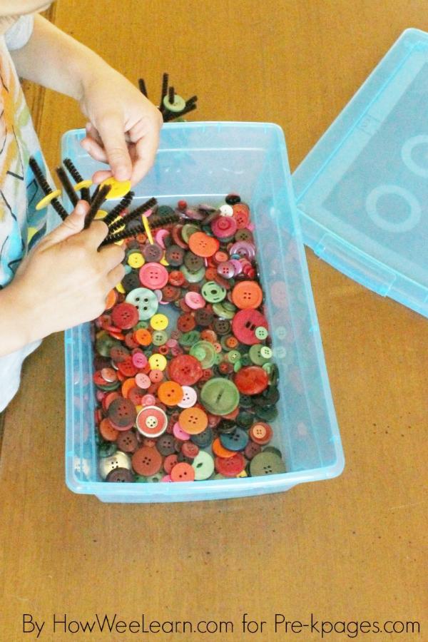 fall quiet bin for preschool