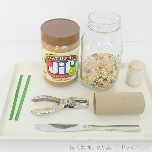 Kiddie Craft: DIY Milk Carton Alimentador para pájaros de la revista Parents - Chic Steals